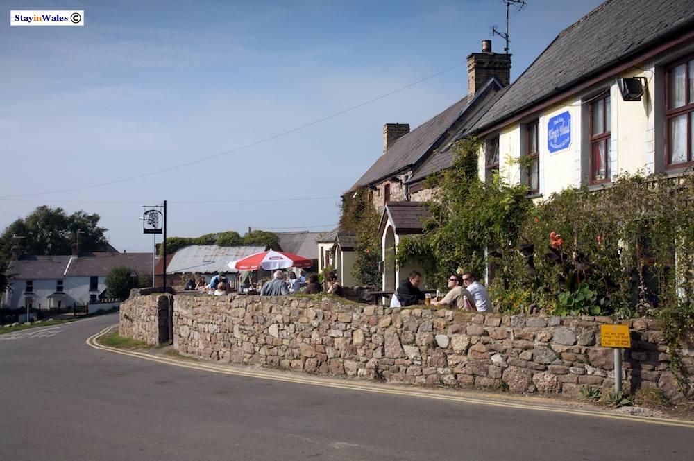 Kings Head pub and accommodation, Rhossili Bay