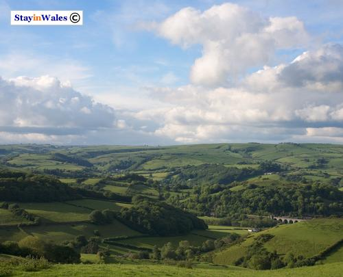 Knucklas and the Teme Valley from Bailey Hill