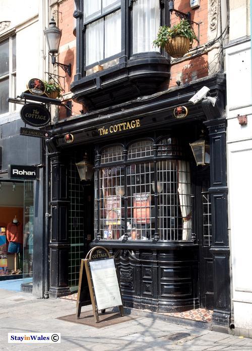 Cardiff Cottage pub on St Mary Street