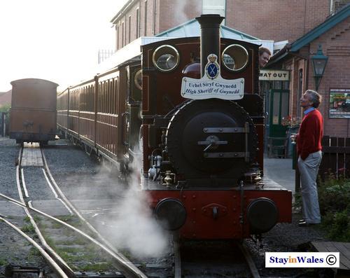 Talyllyn tailway train, Tywyn