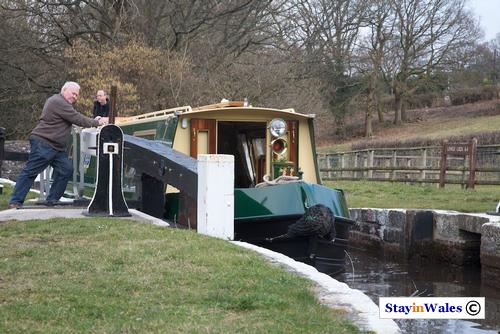 Mon and Brec canal lock 64, Llangynidr
