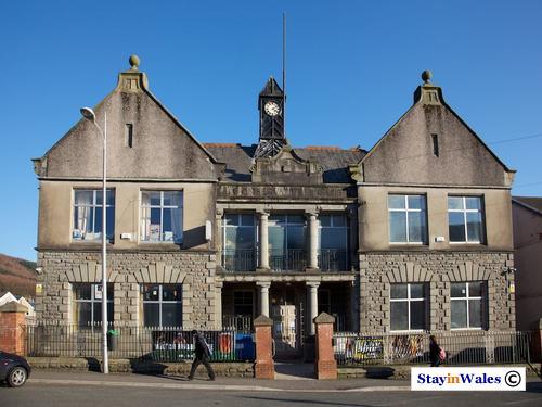 Ninian Stuart Con Club, Treherbert