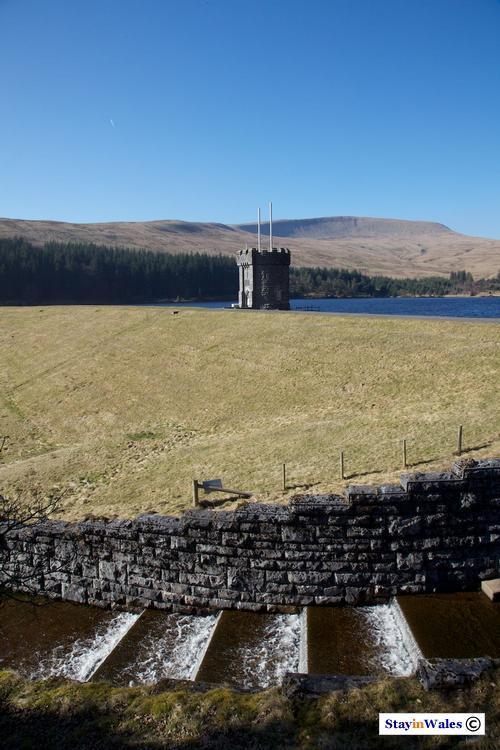 beacons reservoir dam, powys