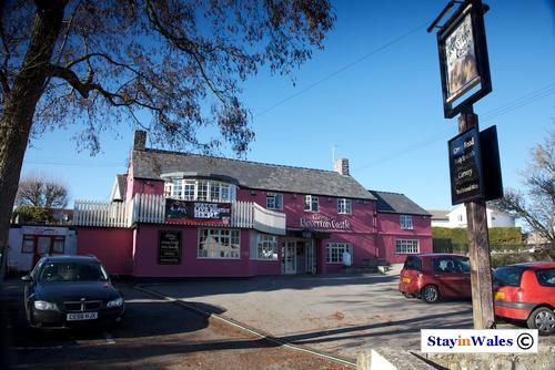 Boverton Castle pub