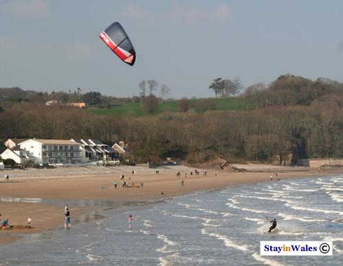 Saundersfoot kite surfing
