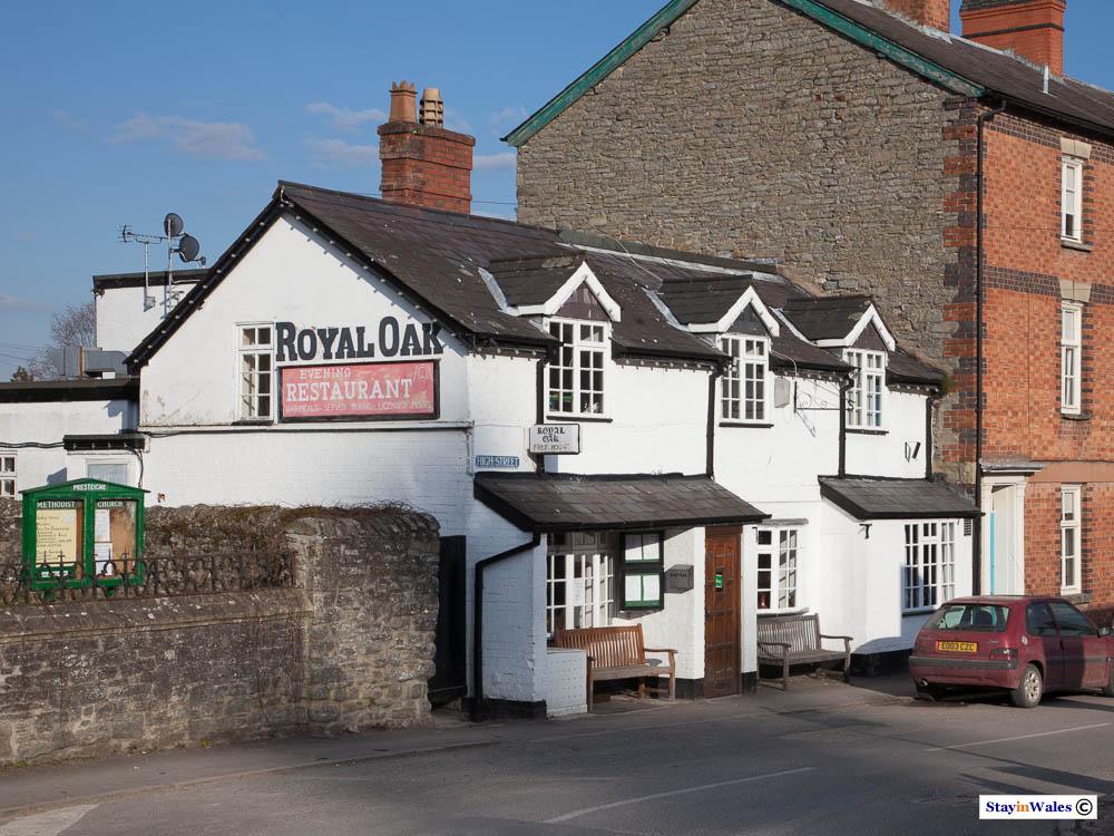 Ryal Oak Pub in Presteigne