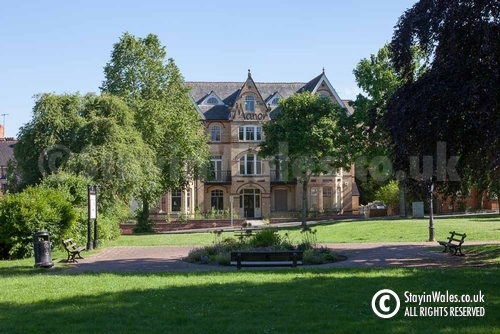 The Manor, Llandrindod